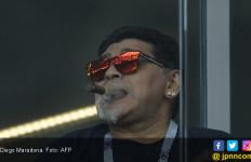 Diego Maradona Bikin Ulah saat Laga Argentina vs Islandia - JPNN.com