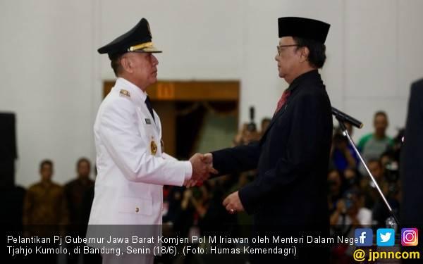 Penunjukan Iwan Bule Jadi Polemik, Pak Jokowi Bilang Begini - JPNN.com
