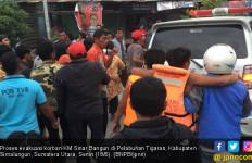 Operasi Pencarian Korban KM Sinar Bangun Disetop Sementara - JPNN.com