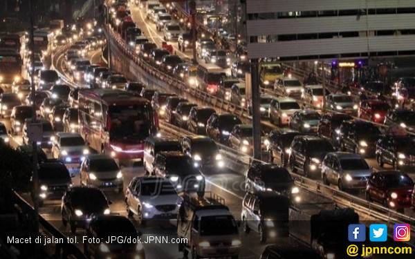 Contraflow Tol Japek Arah Jakarta Diperpanjang - JPNN.com