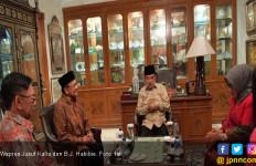 Pak JK Sambangi BJ Habibie - JPNN.com