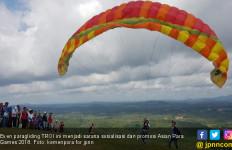 Kemenpora Sosialisasi Asian Para Games via Paragliding TROI - JPNN.com