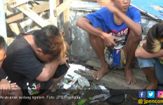 Lagi, Para Bocah Tertangkap Asyik Ngelem - JPNN.com
