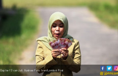 Gaji ke-13 Belum Cair, Guru PNS Makin Galau - JPNN.com