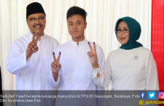 Gus Ipul dan Tumpeng Ultah Mbak Puti - JPNN.com