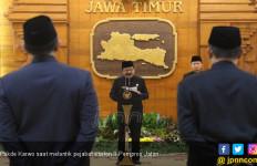 Melantik 10 Pejabat, ini Pesan Khusus Pakde Karwo - JPNN.com