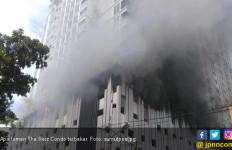 Apartemen Mewah Terbakar di Medan, Asap Hitam Membubung - JPNN.com