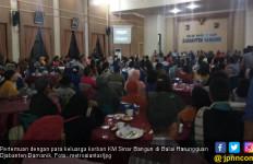 Keluarga Sepakat Pencarian Korban KM Sinar Bangun Dihentikan - JPNN.com