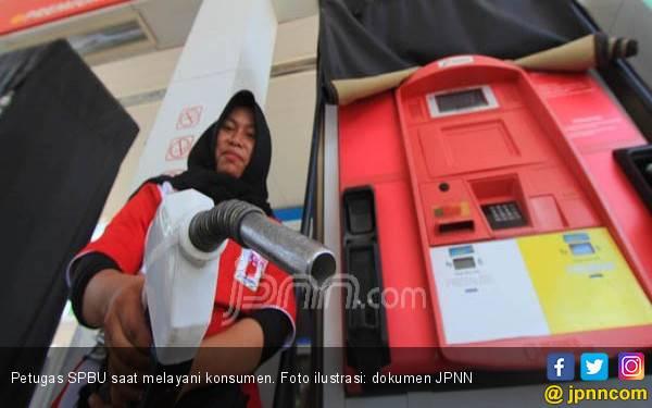 Simak Alasan Jokowi Batalkan Kenaikan BBM Premium - JPNN.com