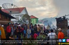 Korsleting Listrik, Delapan Kios dan Dua Unit Rumah Terbakar - JPNN.com
