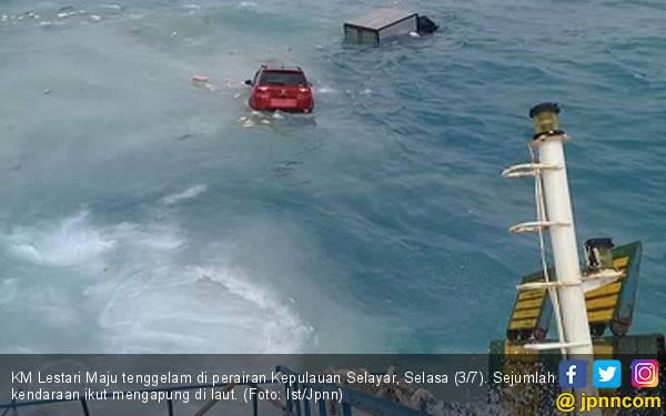 Dua Orang ini Paling Terakhir Dievakuasi di Atas KMP Lestari - JPNN.com