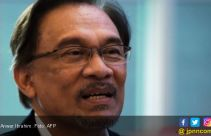 Anwar Ibrahim Berharap Mahathir Serahkan Jabatan PM Malaysia Pertengahan 2020 - JPNN.com