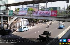Puluhan Spanduk Gatot - Anies Bertebaran di Jakarta - JPNN.com