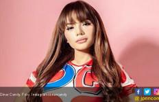 Kemarin Tanpa Bra, Kini Dinar Candy Sonder Celana Dalam Temui Deddy Corbuzier - JPNN.com