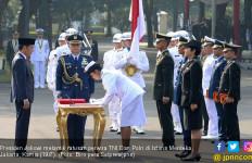 724 Perwira TNI dan Polri Dilantik Presiden di Istana - JPNN.com