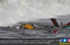Dihantam Ombak, Kapal Nelayan Jember Tenggelam, 6 Meninggal - JPNN.com
