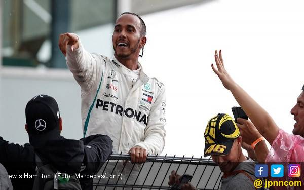 F1 Kanada: Ferrari Apit Mercedes, Hamilton Ingin Balapan Berjalan Panas - JPNN.com