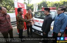 Daihatsu Donasikan Grand Max Ambulans ke Pemkot Bandung - JPNN.com