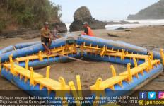 Ombak Laut Selatan Ganas, 3 Perahu Hilang, Keramba Hancur - JPNN.com