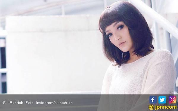 Ditanya Soal Pernikahan, Siti Badriah: Semua Gue Undang - JPNN.com