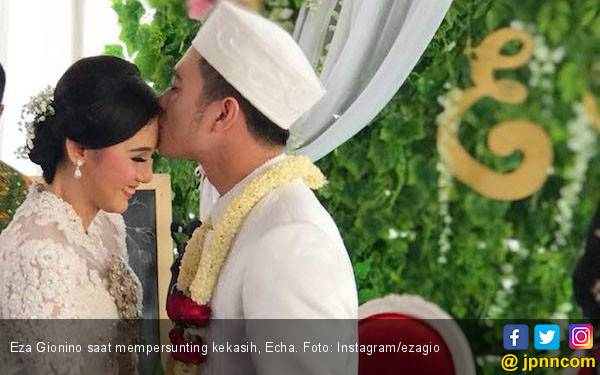 Eza Gionino Ungkap Alasan Menikah Tanpa Restu Ibunda - JPNN.com