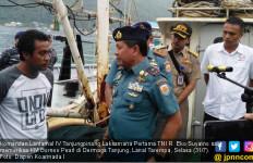 Nakhoda dan 9 ABK Terjaring Saat TNI AL Gelar Patroli Laut - JPNN.com