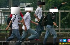 Tawuran Pelajar Serpong, Kepala Siswa Tertancap Celurit - JPNN.com