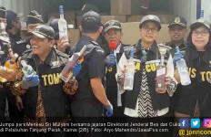 Ungkap Penyeludupan Miras Senilai Rp 27 M Berkedok Benang - JPNN.com