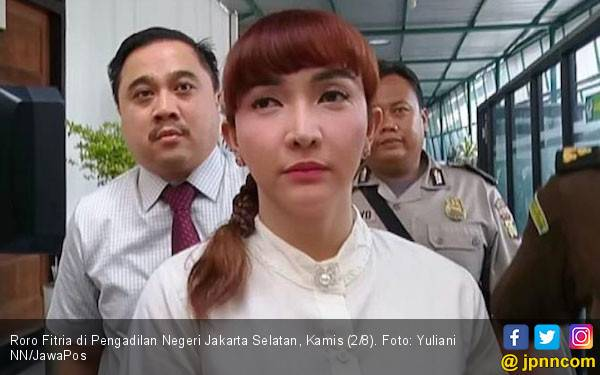 Kesaksian Ibunda Roro Fitria Ditolak, Nih Alasannya - JPNN.com