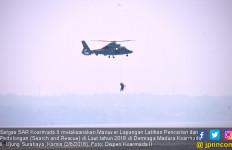 Satgas Evakuasi Korban Kecelakaan di Laut dengan Helikopter - JPNN.com