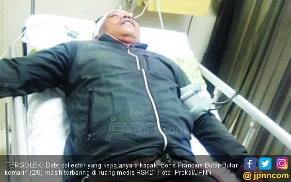 Detik-Detik Debt Collector Ditebas Kapak Berkarat, Ngeri! - JPNN.com