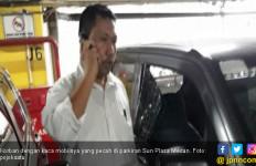 Kaca Mobil Pecah, Uang Rp 55 Juta Raib Digondong Bandit - JPNN.com