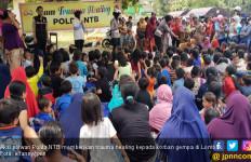 Aksi Polwan Hilangkan Trauma Anak-anak Korban Gempa Lombok - JPNN.com