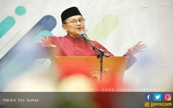 Keluarga Benarkan Kabar BJ Habibie Meninggal Dunia - JPNN.com