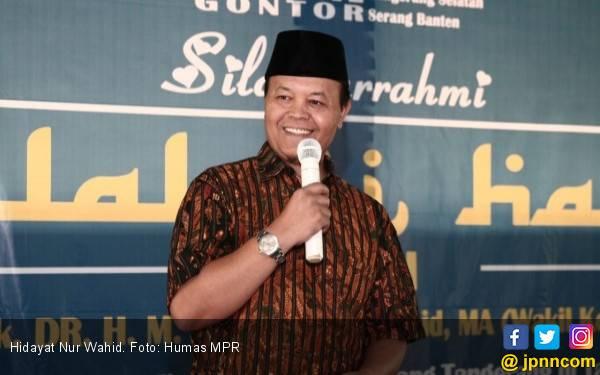 Semoga BBM Premium Batal Naik Bukan Pencitraan Jokowi - JPNN.com