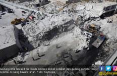 Gudang Bandar Senjata Meledak, Gedung Lima Lantai Ambrol - JPNN.com
