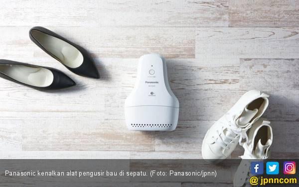 Keren! Alat Ini Bisa Usir Bau di Sepatu - JPNN.com
