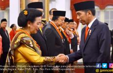 Penghormatan Negara untuk GKR Hemas dan Dato' Tahir Cs - JPNN.com