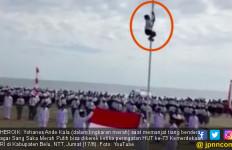 Kisah di Balik Aksi Heroik Bocah SMP Pemanjat Tiang Bendera - JPNN.com
