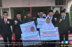 Pelindo IV Sumbang Mesin Tempel Kapal Nelayan dan Beasiswa - JPNN.com