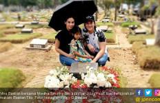 Mendiang Ayah Ultah, Ini Doa Khusus Vino G Bastian - JPNN.com