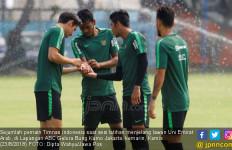 Timnas Indonesia vs UEA: Milla Tersenyum Lega - JPNN.com