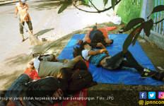 Ditolak, Imigran Tetap Tidur di Luar Rusun Pengungsian - JPNN.com