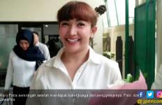 Roro Fitria Semringah Dapat Dukungan Penggemar - JPNN.com