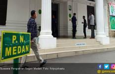 Geledah Ruang Kerja Ketua PN Medan,KPK Bawa 30 Bundelan - JPNN.com