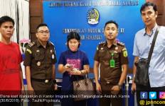 Imigrasi Tanjungbalai Ciduk Buronan Kasus Perdagangan Orang - JPNN.com