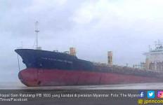 Hiii, 'Kapal Hantu' Berbendera Indonesia Berlayar di Myanmar - JPNN.com
