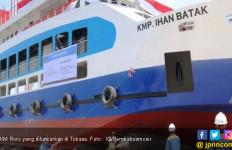 KM RoRo Ihan Batak Resmi Diluncurkan di Danau Toba - JPNN.com