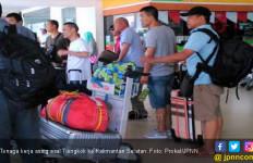 Video Rombongan Tenaga Kerja Asing Tiba di Bandara, Viral di Medsos - JPNN.com