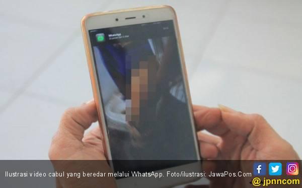 Oknum PNS Kemenag Berzina, Ada Foto dan Videonya - JPNN.com